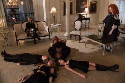 AMERICAN HORROR STORY: COVEN The Seven Wonders - Episode 313 (Airs Wednesday, January 29, 10:00 PM e/p) --Pictured: (L-R): Sarah Paulson as Cordelia, Taissa Farmiga as Zoe, Lily Rabe as Misty, Gabourey Sidibe as Queenie, Emma Roberts as Madison, Frances Conroy as Myrtle -- CR. Michele K. Short/FX