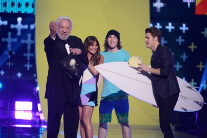 TEEN CHOICE 2014: Donald Sutherland onstage at the historic Shrine Auditorium at TEEN CHOICE 2014, airing LIVE Sunday, Aug. 10 (8:00-10:00 PM ET live/PT tape-delayed) on FOX at the historic Shrine Auditorium, Los Angeles, CA.  CR: Phil McCarten/FOX