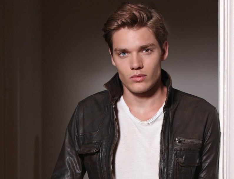 abc family casts male lead for shadowhunters