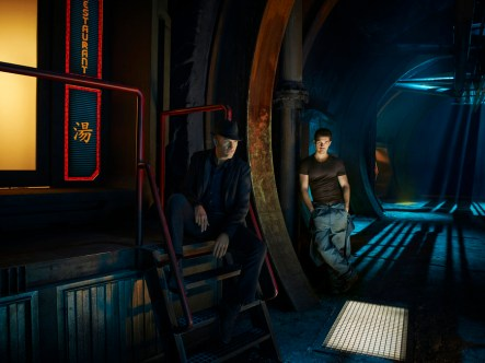 THE EXPANSE -- Season:1 -- Pictured: (l-r) Thomas Jane as Detective Josephus Miller, Steven Strait as Earther James Holden -- (Photo by: Jason Bell/Syfy)