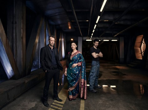 THE EXPANSE -- Season:1 -- Pictured: (l-r) Thomas Jane as Detective Josephus Miller, Shohreh Aghdashloo as Chrisjen Avasrala, Steven Strait as Earther James Holden -- (Photo by: Jason Bell/Syfy)