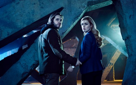 12 MONKEYS -- Season:1 -- Pictured: (l-r) Aaron Stanford as James Cole, Amanda Schull as Dr. Cassandra Railly -- (Photo by: Jeff Riedel/Syfy)