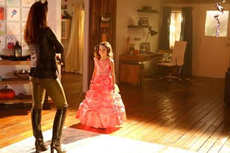 LUCIFER: L-R: Lesley-Ann Brandt and Scarlett Estevez in the ÒMonsterÓ episode of LUCIFER airing Monday, Oct. 31 (9:01-10:00 PM ET/PT) on FOX.   ©2016 Fox Broadcasting Co. Cr: Bettina Strauss/FOX.