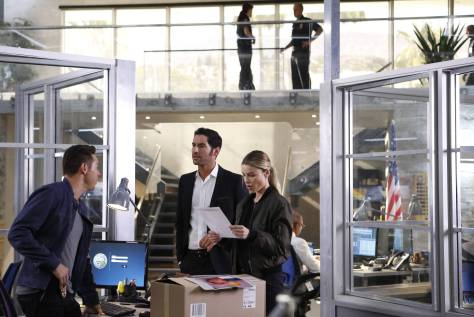 LUCIFER: L-R: Kevin Alejandro, Tom Ellis and Lauren German in the ÒLiar, Liar, Slutty Dress on FireÓ episode of LUCIFER airing Monday, Oct. 3 (9:01-10:00 PM ET/PT) on FOX.  Cr: Bettina Strauss/FOX.