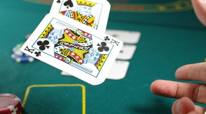 8 Movie Stars Who Love Playing Poker