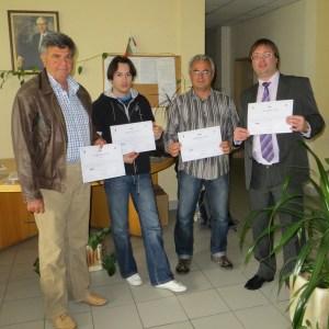 The participants in ESGI receive their certificates