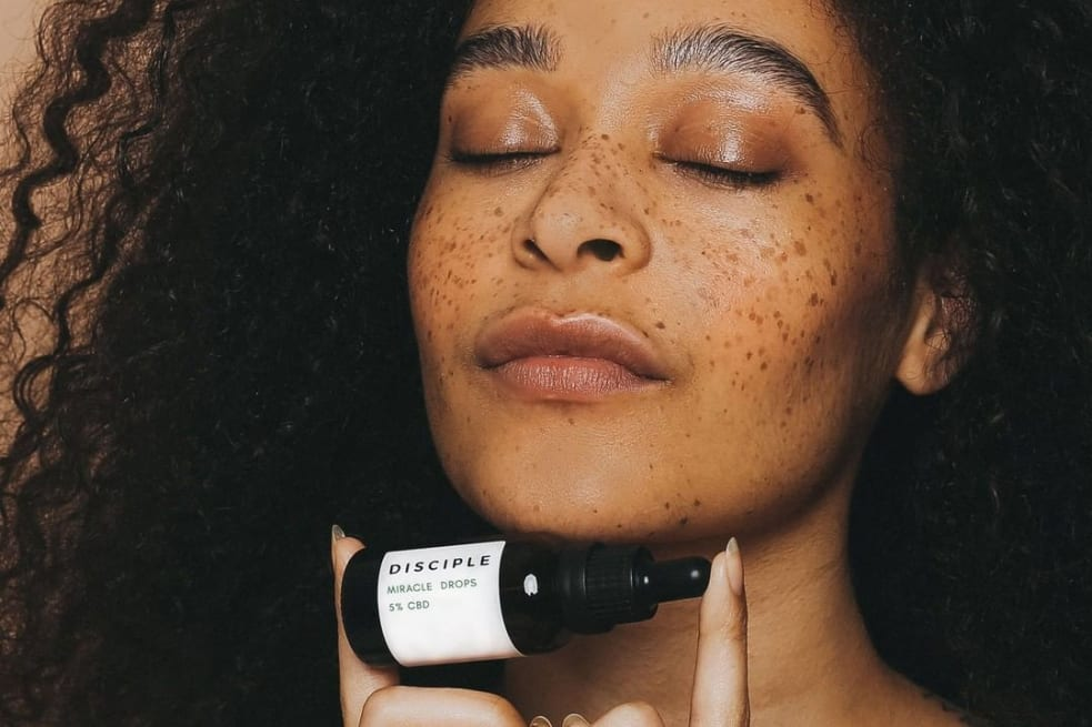 How to Treat Hormonal Acne Naturally | Eco-Age