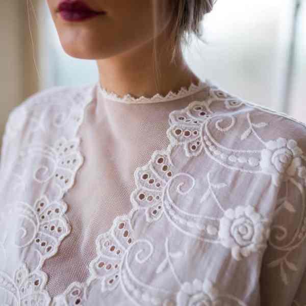 pre-owned vintage wedding dresses