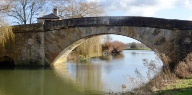 Bridge over the River Thames at Lechlade