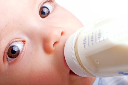 Are bottle fed babies more likely to be abused?