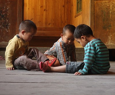Chinese children poisoned by battery factory