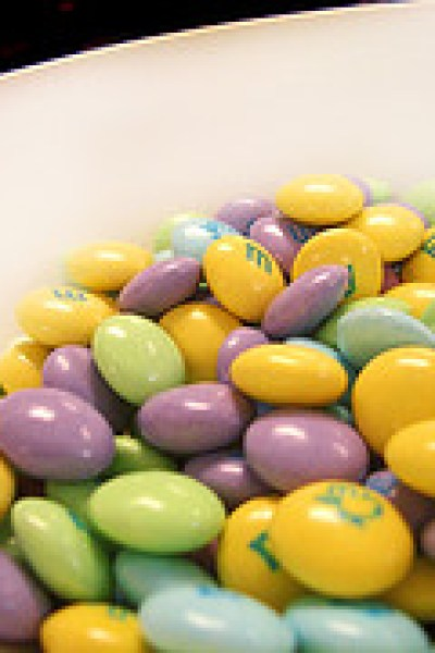 5 Tips to Avoid Artificial Food Dyes this Easter