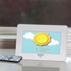 Zazoo Kids Photo Clock:  Not so Eco-Friendly but Grows with Your Child