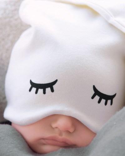 zoë b organic Sleepy Hat and BPA-free Fantastic Bowls and Plates