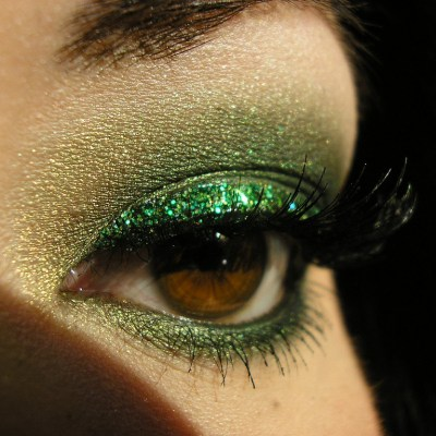 The Truth About the Emerging Problem of Glitter Makeup