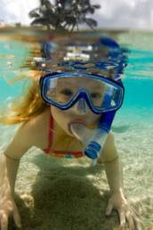 girl_snorkelinginOcean_3_300
