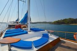 captain ricks sailing panama azuleta sun beds