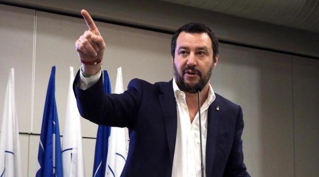 Il manifesto di Salvini per uscire dall'Euro