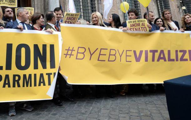 Taglio vitalizi: il M5S chiama in piazza i suoi sostenitori