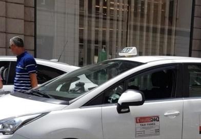 Trasporti: Taxi rifiuta corsa perché il percorso è troppo breve. E lascia la cliente anziana sotto il sole