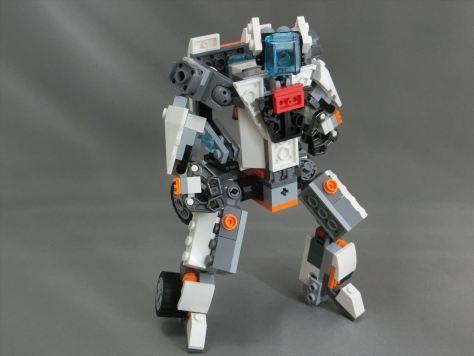 31034_robo2_001