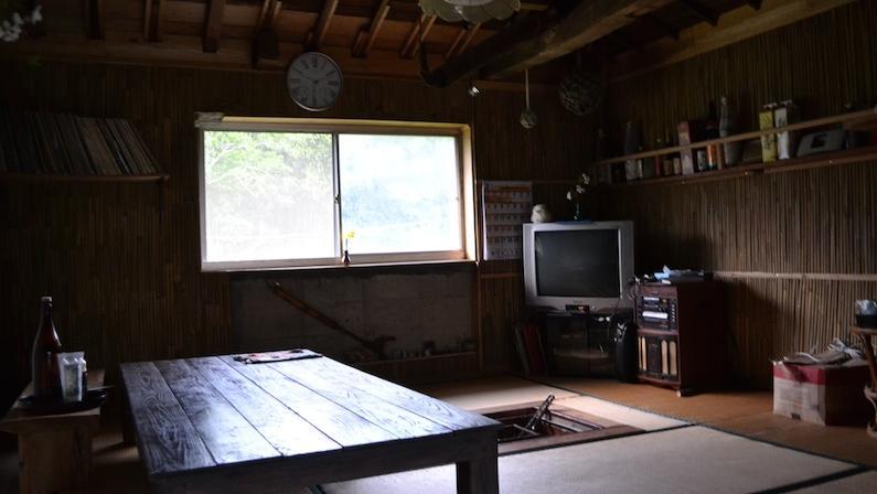 村おこしボランティア中之島コースでお世話になった囲炉裏小屋