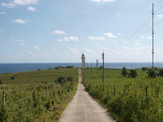 トカラ列島中之島のヤルセ灯台