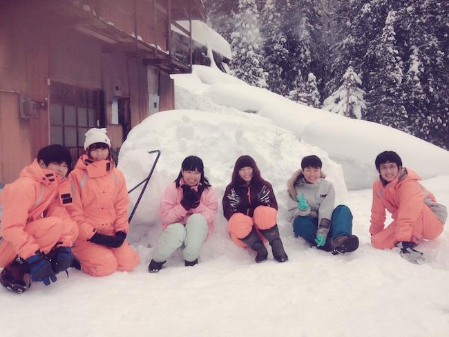 村おこしボランティア【勝山市北谷コース】での雪かきボランティアの様子