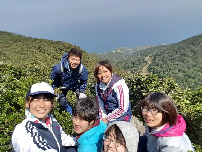 昼頃は櫓岳の登山をしました。