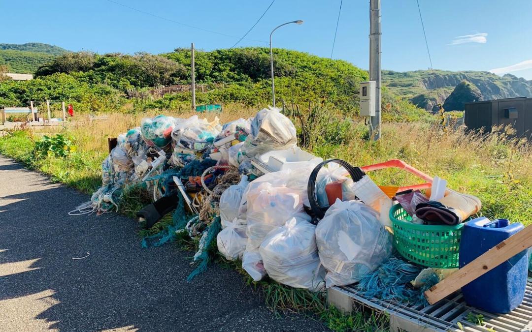 海岸清掃とBBQ