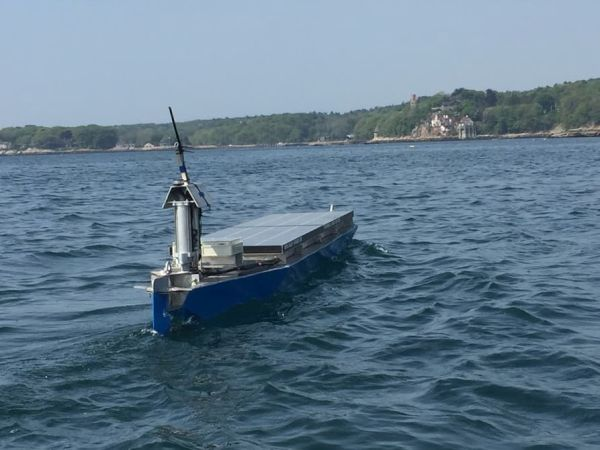 Autonomous solar powered boat  (1)