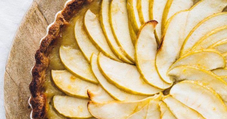 Tarta clásica de manzana (con crema pastelera y masa quebrada)