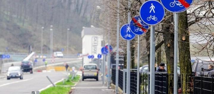Via Tentorio: il comune rimuove 32 pali