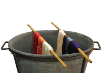 Tessile/ 1: in mostra la tintura naturale