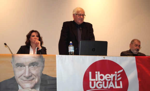 Anna Falcone a Como: politica per Costituzione