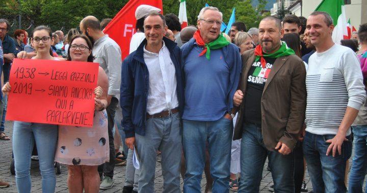 Erba/ Niente via Airoldi, esultanza antifascista