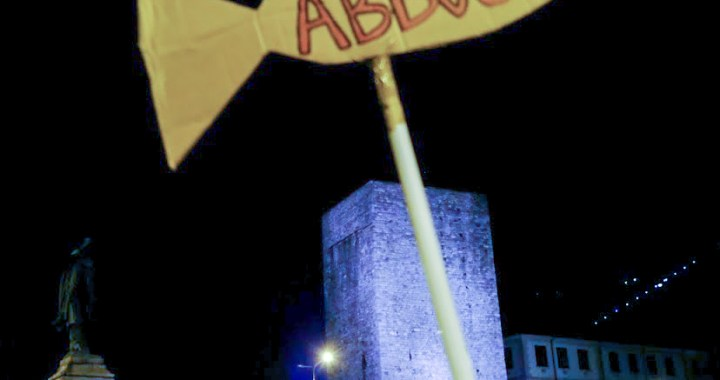 17 dicembre/ Prima assemblea delle Sardine comasche in via Grandi 21 Como/ Buone notizie