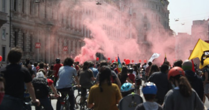 Milano pedala contro i fascismi
