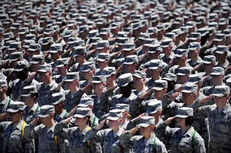military-652355_1920