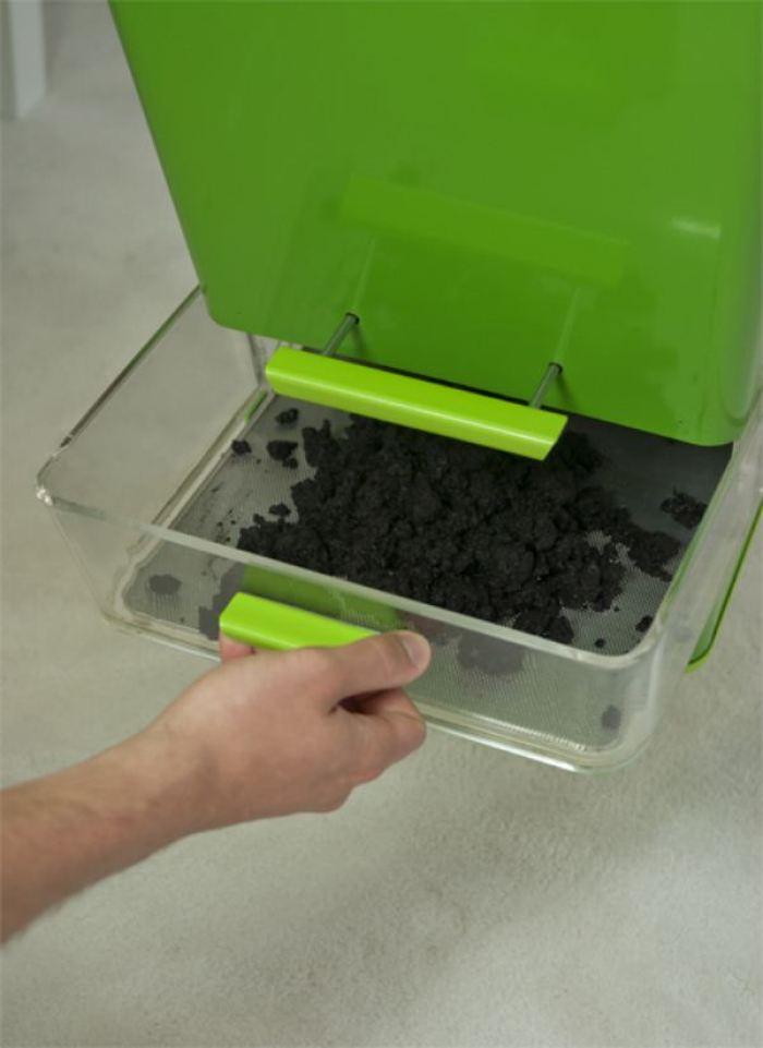 Parasite Farm-7-Fábrica-de-compost