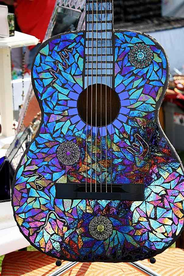Guitarra con CDs
