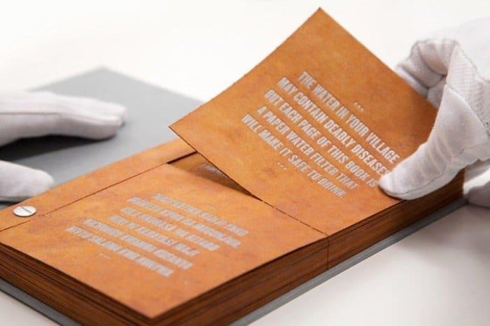 Drinkable Book, el libro para purificar agua0