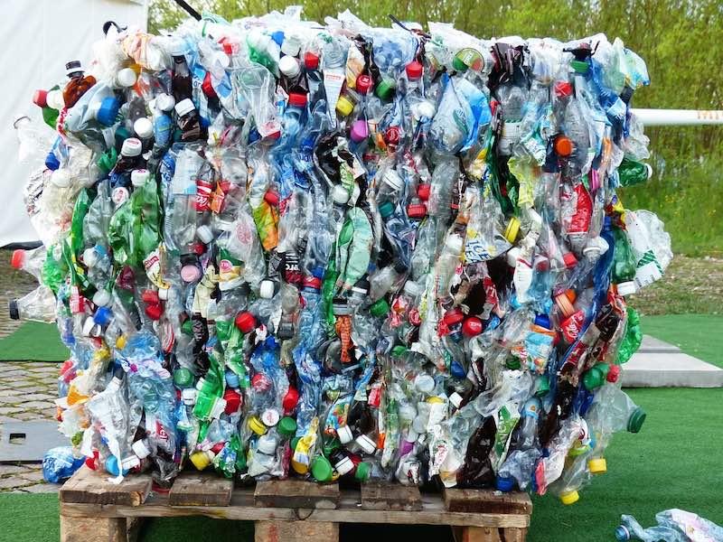 Reciclaje de botellas de plastico