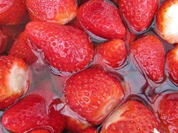 Fresas en remojo.