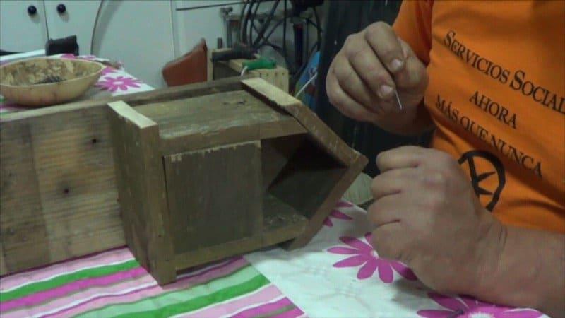Como hacer una casa de mariquitas gratis