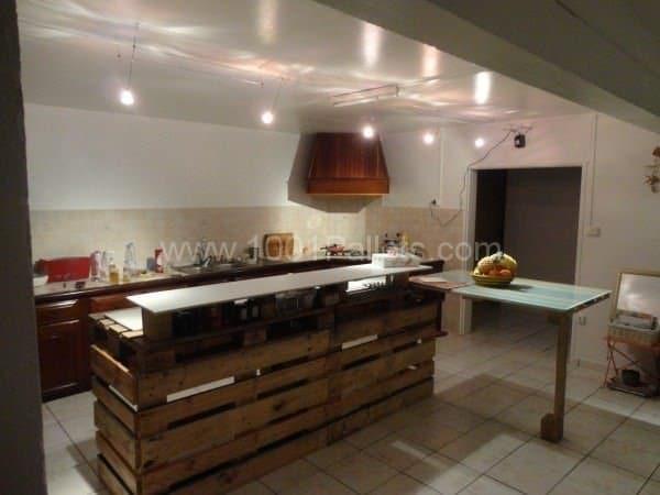Palets reutizados como mesas de cocina8