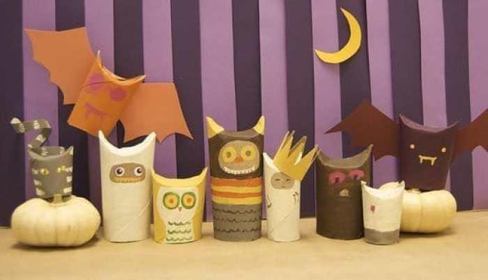 Criaturas para Halloween con rollos de papel higiénico