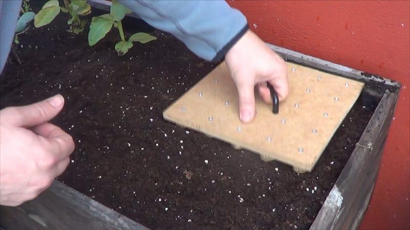 Hacer herramienta de siembra casera