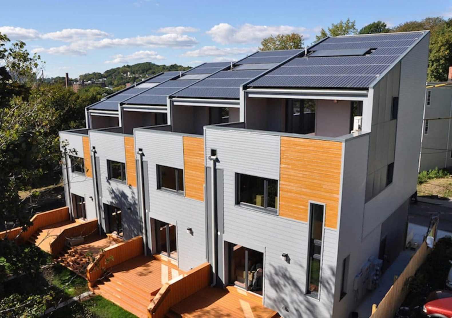 Roxbury E+ townhouses by Interface Studio Architects