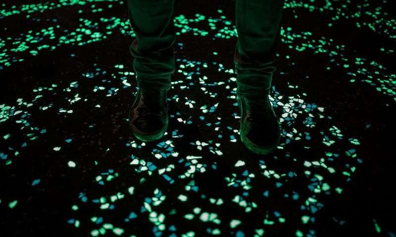Cemento luminescente podría ser el final de las farolas